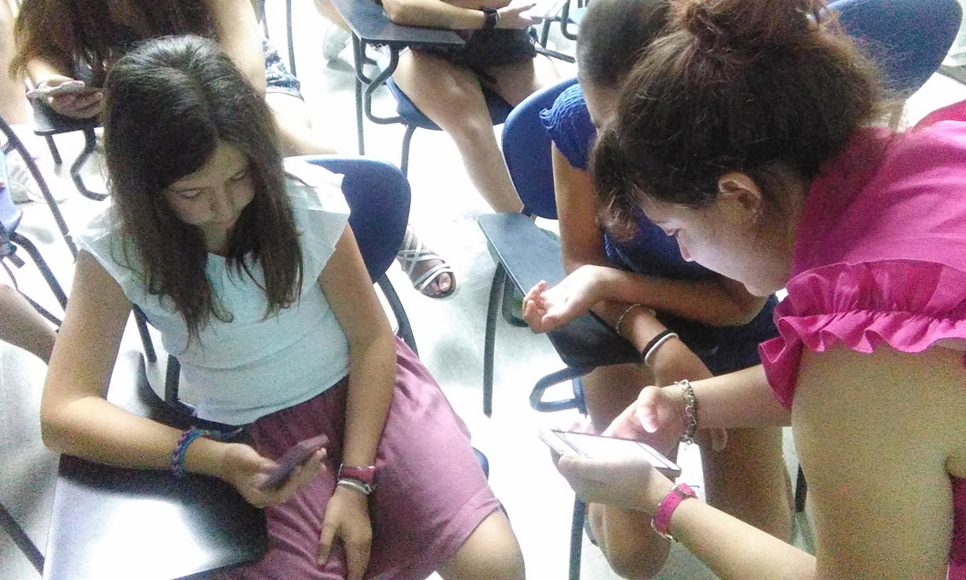 Ús responsable de pantalles: Xarxes Socials, Apps i jocs online